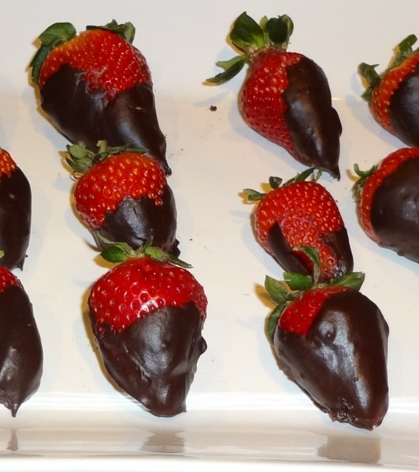 strawberries chocolate dipped2
